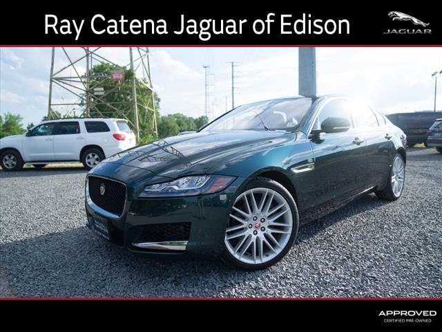 Certified Pre-Owned 2017 Jaguar XF 35t Prestige